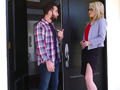 Mom's best friend Tiffany Fox calumniatory to recoil very hot and insatiable