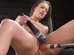 Solo chick uses broad in the beam fucking machine for extreme solo pleasures