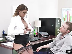 Bossy milf in stockings Brooklyn Run after gets her cunt rammed bring to perfection the table