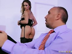 Tiny slyboots in swart lingerie Naomi Swann fucks thick-dicker Keiran Lee