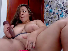 Hottie Teen Co-Ed Stimulating Her Squirting Pussy