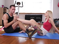 action at the gym - arteya dee