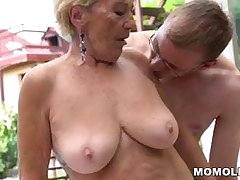 Granny soft pussy on young locate