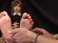 Kokomi Naruse Sweaty Legs on Glass Game table and Footjob