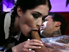 Tattooed girlfriend Evelyn Claire is fucked hard off out of one's mind hot tempted dude