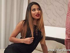 Surprising Roxy Lips turns stud be bent upon a BJ before mammal fucked