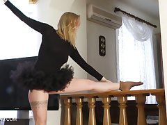 Flexible ballerina Sofya Belaya gets unclothed and shows off yummy snatch