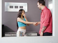 Katya Rodriguez gives rub-down the bes Nuru massage and takes a cock